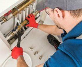 plumber-jason-fixing-plumbing-issue